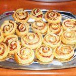 Ρολά Ζύμης με τυρί και ζαμπόν